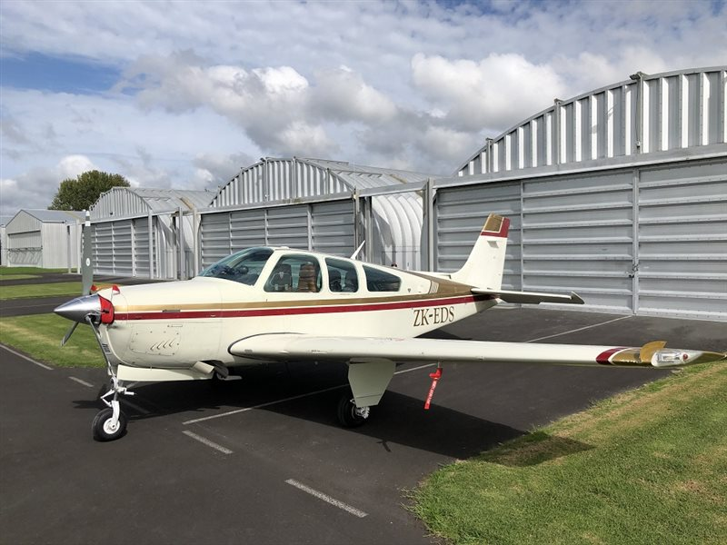 1981 Beechcraft Bonanza F33 A