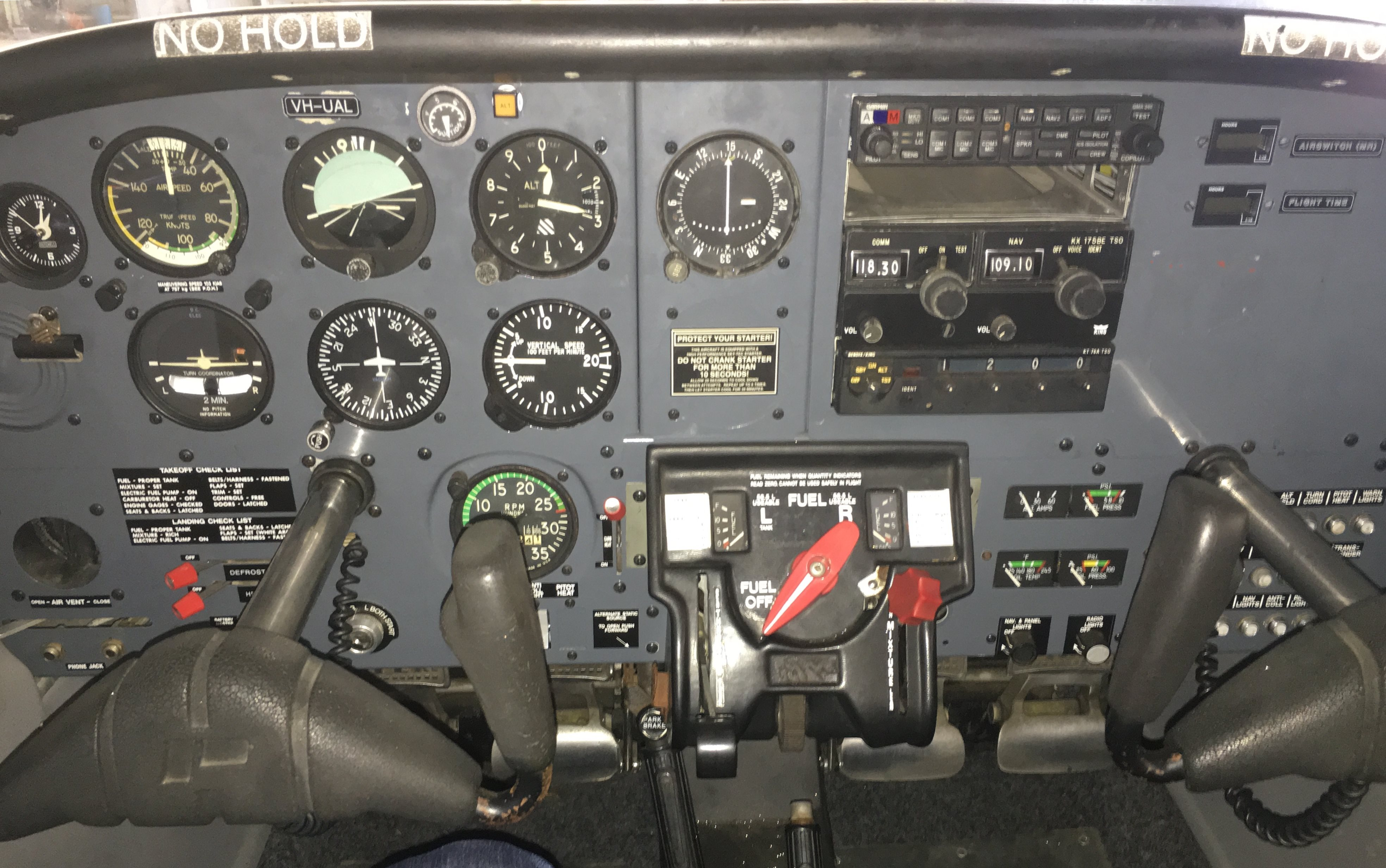 1982 Piper Tomahawk PA38-125 VH-UAL instrument panel