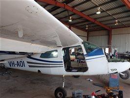 1982 Cessna 210