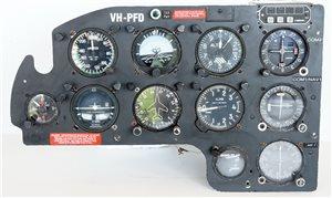 Avionics  - Piper PA23-250 Aztec Pilot Instrument Panel