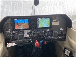 2005 Cessna 182 T