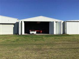 Hangars - Prestige hangar Maitland Aerodrome Rutherford NSW