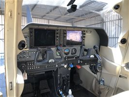 2004 Cessna 182 Aircraft