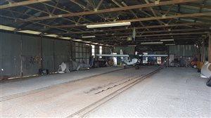 Hangars - HANGAR SPACE FOR RENT CENTRAL QUEENSLAND