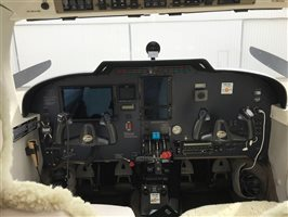 2001 Piper Seneca V Aircraft