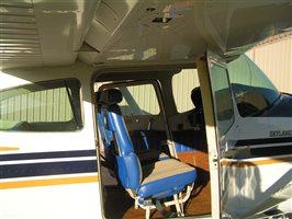 1982 Cessna 182 Skylane Aircraft