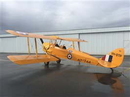 1944 De Havilland Tiger Moth Aircraft