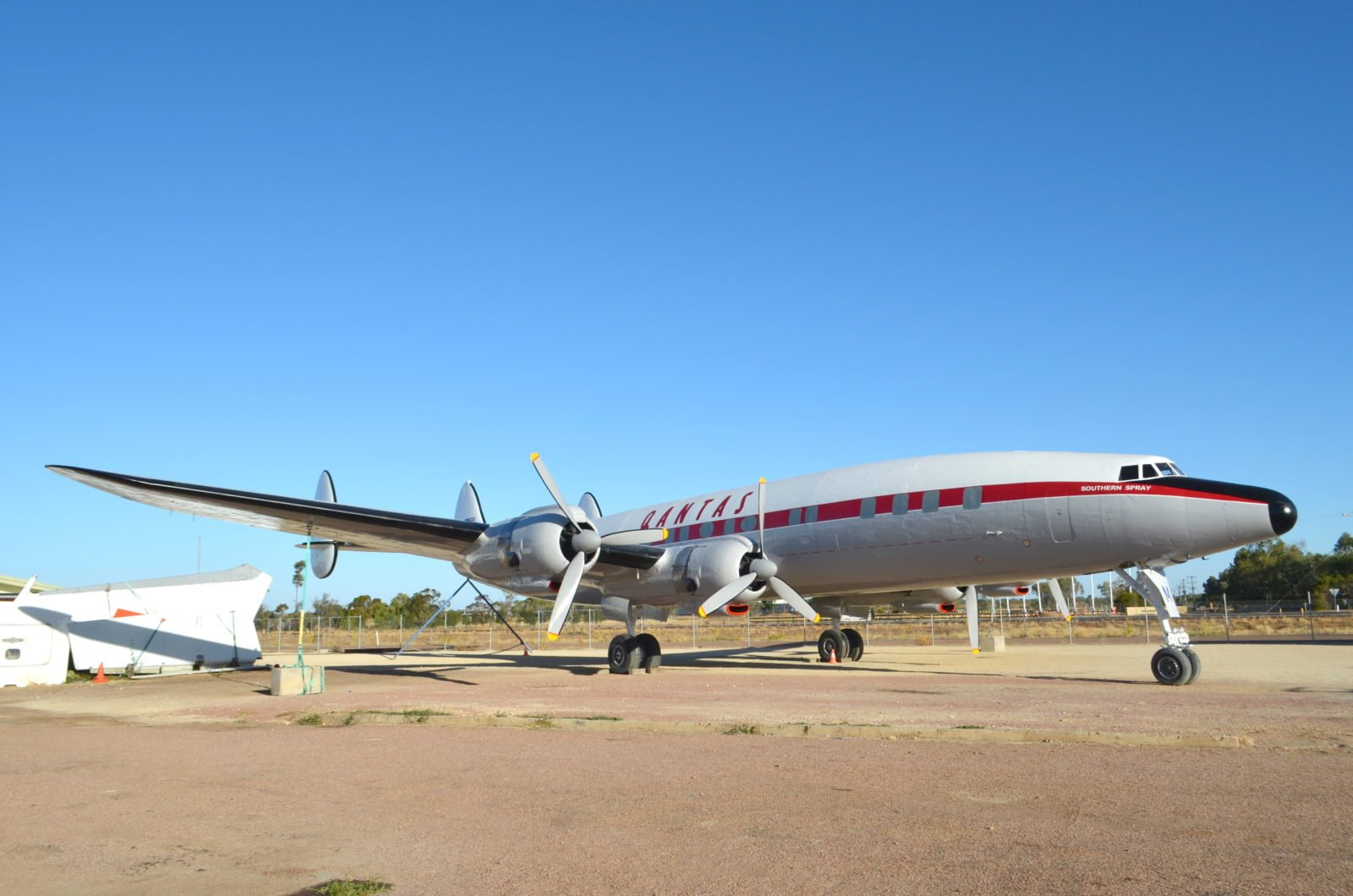 External Restoration Of The Super Constellation Complete